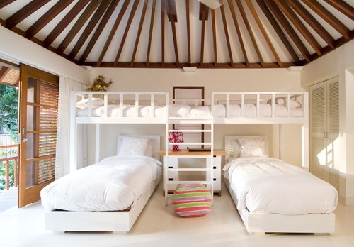 Balinese children's bedroom...liking in that roof