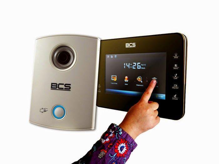 Wideodomofony sieciowe IP - przyszłość czy teraźniejszość?  W ostatnich czasach co raz częściej jesteśmy bombardowani przez sprzedawców sprzętem tak zwanym IP. Kamery IP, rejestratory sieciowe, alarmy a nawet telewizory z funkcją SMART TV. Większość nowoczesnych urządzeń nawet takich jak pralka czy lodówka może być podłączona do sieci komputerowej a tym samym do internetu.