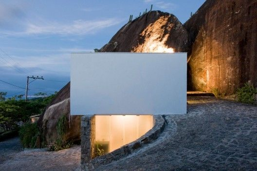 A caretaker's house of a property on an island on the North coast of the State of São Paulo, Brazil.Sao Paulo, Boxes House, Beach House, Stones Wall, Small Spaces, Alan Chu, Casa Boxes, Cristiano Kato, Stones House