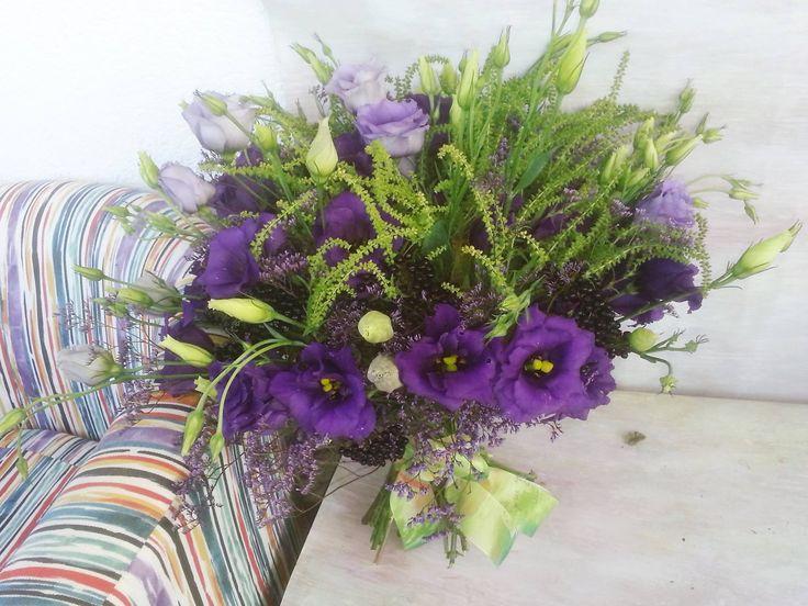 Wonderful romantic bouquet with mauve lisianthus. #miozotislovebouquet