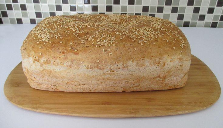 Oppskriften kan brukes til loff, pølsebrød og hamburgerbrød.  Ingredienser 1 beger kesam 3 dl varmt vann 2 ss fiberhusk 70 g (3 ss) jyttemel 50 g…