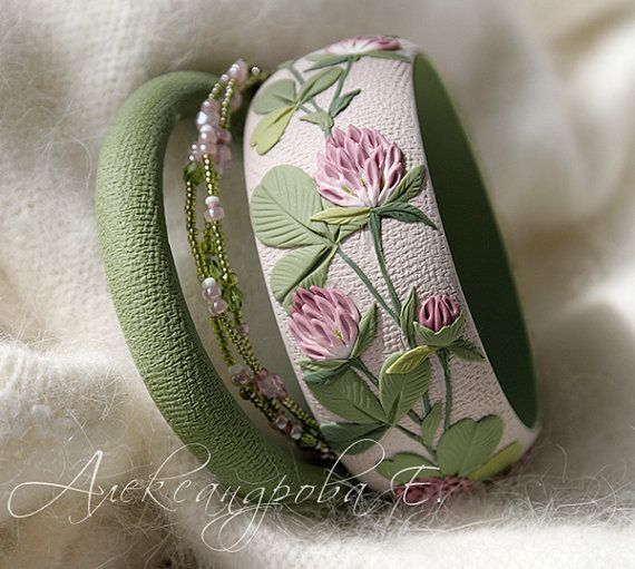 Bangle set with a clover 3pcs Floral polymer by AleksPolymer