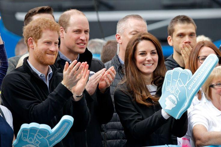 Royale Unterstützung beim London Marathon: Kate Middleton, Prinz William und Prinz Harry feuern die Läufer an. Hier gehts zur News!