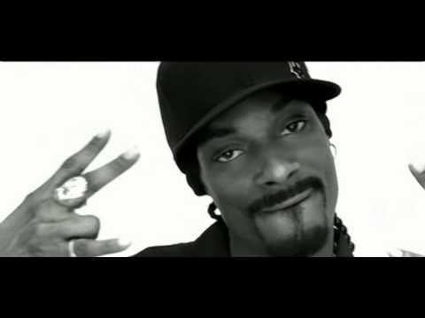 I can never turn the station or skip when this song comes on.....Snoop Dogg featuring Pharrell - Drop It Like It's Hot