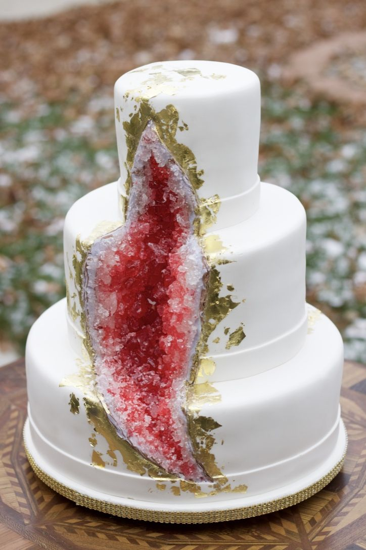 266 Best Geode Cakes Images On Pinterest Amazing Cakes