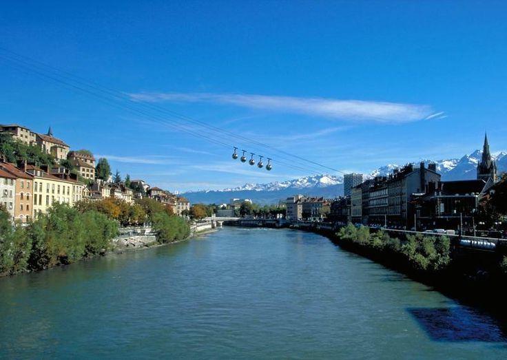 grenoble france | Grenoble - LIsère et le téléphérique de La Bastille à Grenoble ...
