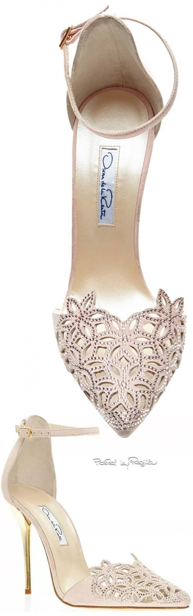 Oscar de la renta pointed toe wedding shoes in champagne color with laser cut leather