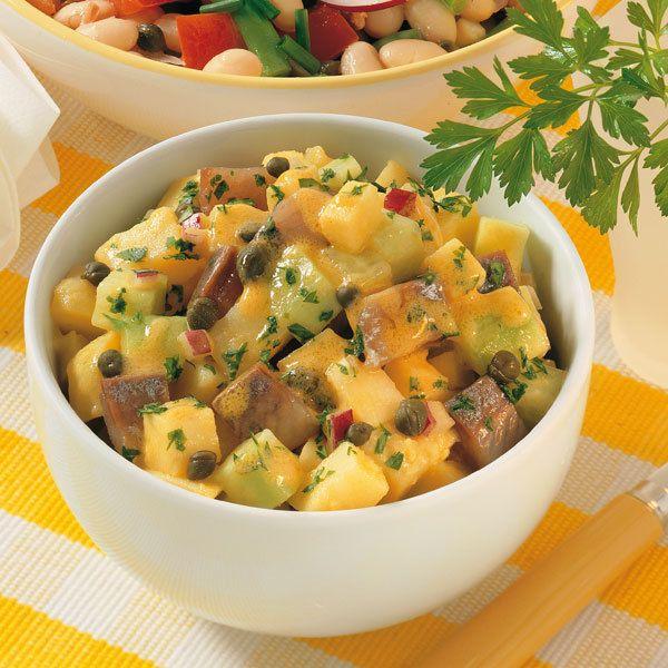 Matjessalat mit Apfel, Gurke und Kartoffeln