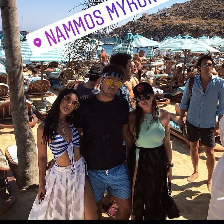 Ha where is @chbickley @adwarren @daniellenaftali  @lindsaylohan in Mykonos #gingermermaid #lilolovers #lindsaylohan Check out the new Lindsay wiki http://ift.tt/2tp1RFN  http://ift.tt/2tYJ1CD www.lindsaylohan.us or make a fan sign at www.lindsaylohan.me. IG-LINDSAYCOLLECTOR