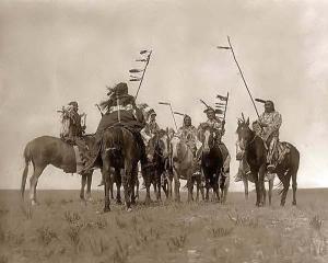 indios-a-caballo. 1908. Edward S. Curtis