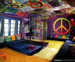 This is for all you hippies :): Dreams Bedrooms, My Rooms, Dreams Rooms, Chill Rooms, Peace Signs, Future Rooms, Hippie Rooms, Beaches Houses, Cool Rooms