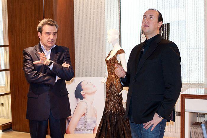 Гостем прошлой недели моды Mercedes-Benz Fashion Week Russia 2014 был Тони Ворд (Tony Ward), который представил в ЦВЗ «Манеж» коллекцию haute couture в сотрудничестве с CROCUS Atelier Couture.