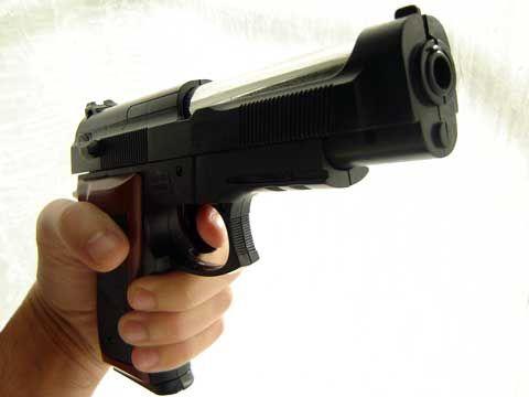 Napoli, colpi di pistola verso abitazione in via Egiziaca a Pizzofalcone: indaga la polizia | Report Campania