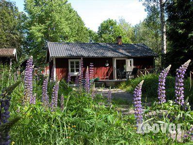 Zuid Zweden- leuke en betaalbaar vakantiehuisje bij meertje met kano en met mooie plek voor een kampvuur. Precies zoals je je bij Zweden voorstelt.- www.adelfors.com/vakantiehuisje.html