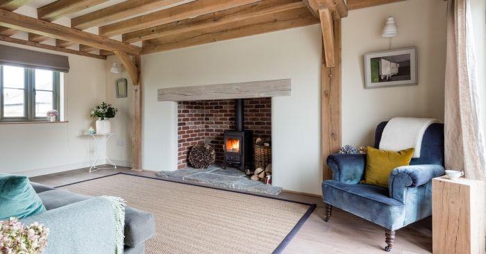 Living Room Burgandy And Check Wallpaper