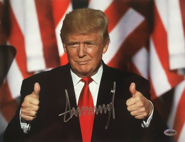 President Donald Trump Signed 8.5x11 Thumbs Up Photo