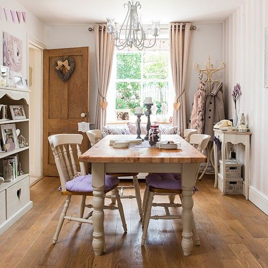 Country Dining Room With Wood Floor