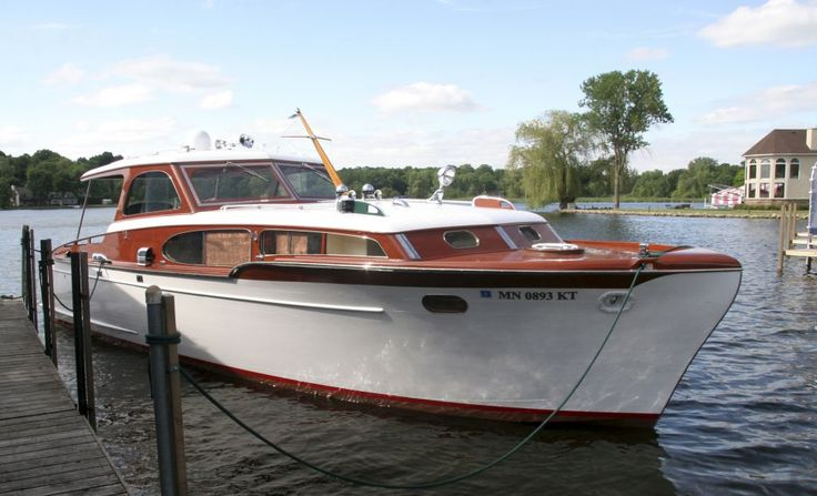 1953 36' Chris Craft Commander. The Commander was Chris Craft's fiberglass hulled line of motor yachts.