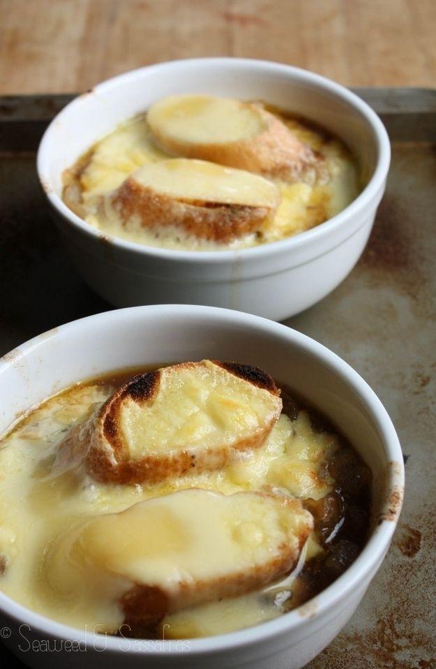 Soupe à l'oignon au fromage braisé, à la française