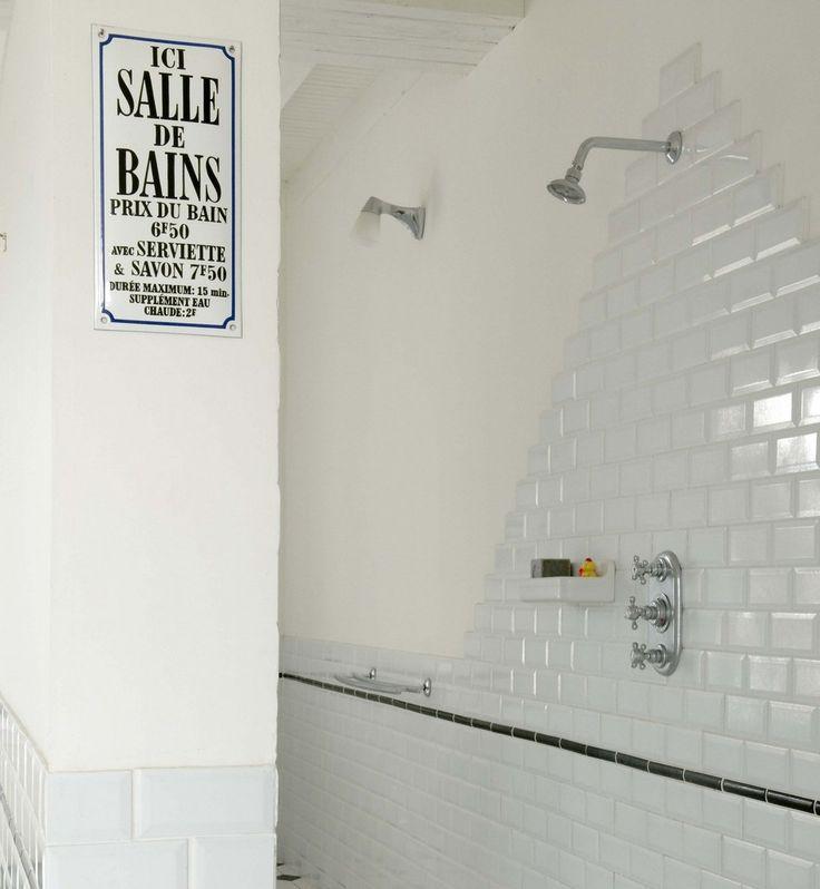 idée deco salle de bain carrelage blanc