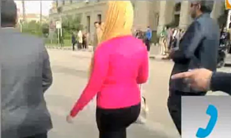 Cairo University chief blames woman's dress for sexual harassment -- she took off her abaya