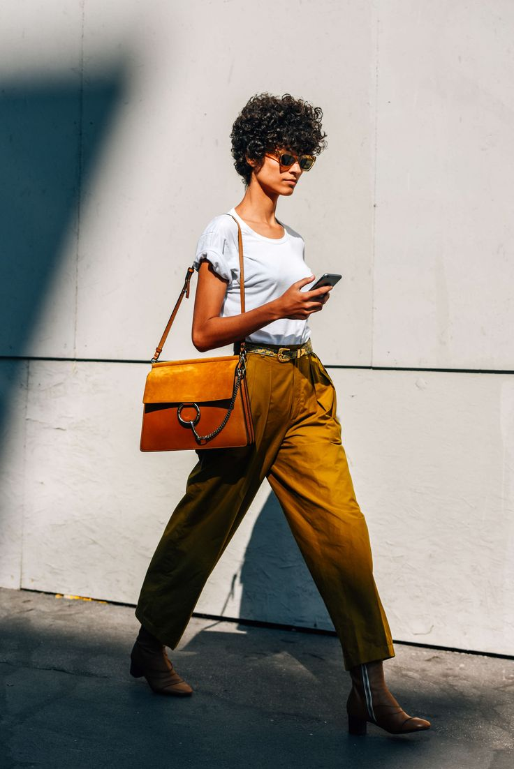 September 24, 2016  Tags Milan, Brown, Sunglasses, White, Yellow, Boots, Chloé, Women, Model Off Duty, Models, Cellphones, Bags, Belts, T Shirts, Trousers, 1 Person, Ari Westphal, Short Hair, SS17 Women's