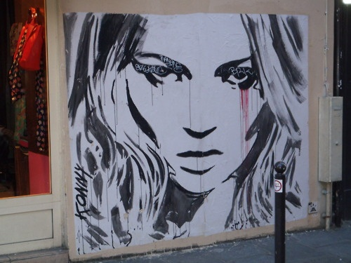 Kate Moss street art