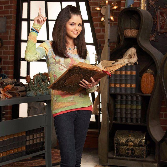 Selena Gomez sorprende en entrega de premios con nuevo look; más rubia que nunca!