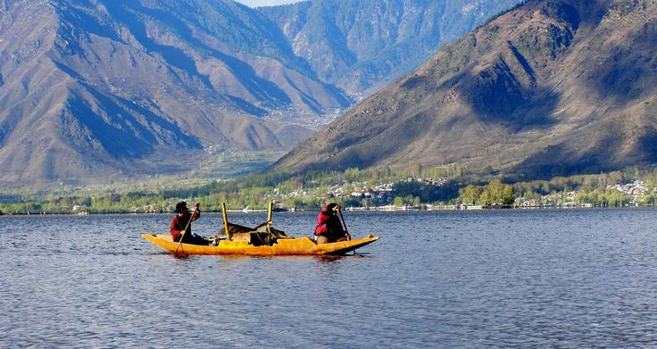 Kashmir is the northwestern of region of the India. It is known as the Heaven on Earth because of its natural widespread beauty. This tour package is for 3 nights and 4 days and destinations covered are Srinagar - Pahalgam - Gulmarg and Delhi. Book Kashmir Tour with Shining India and enjoy your holiday trip. http://www.shinningindia.com/nature-of-kashmir.htm