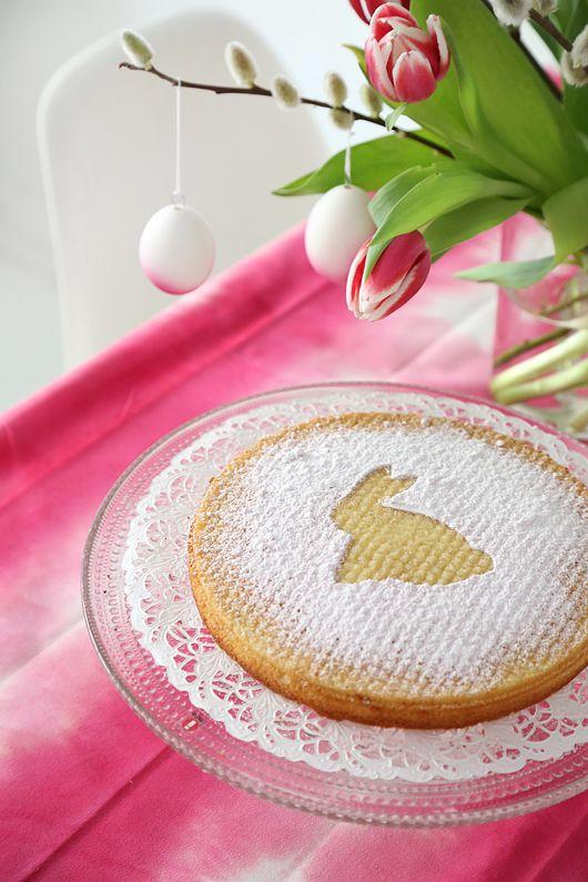 Trendenser.se - en av Sveriges största inredningsbloggar Awww~ A little cake an egg hang-y's :D  Egg, easter, easter egg, cake, rabbit, easter cake, easter rabbit, cute, cool, awesome