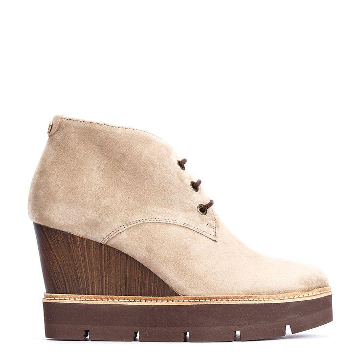#zapatos #botín #cuña de la nueva colección #AW de #pedromiralles en color #beige #shoponline