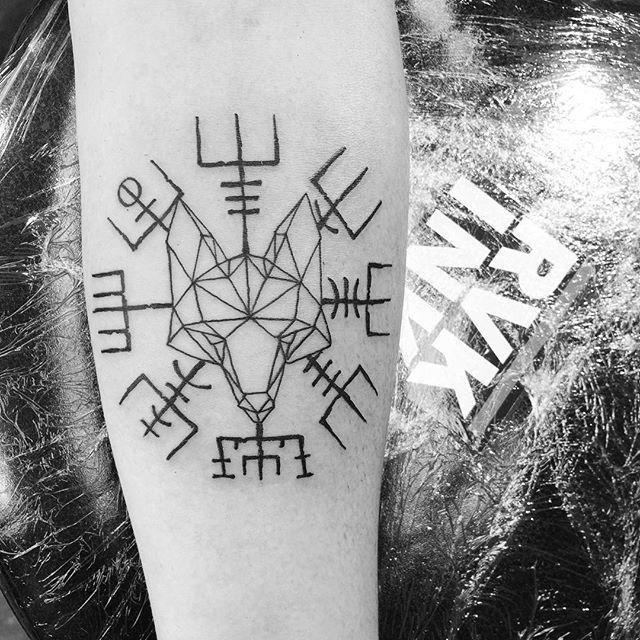 the 25 best icelandic tattoo ideas on pinterest rune symbols viking tattoos and asatru. Black Bedroom Furniture Sets. Home Design Ideas