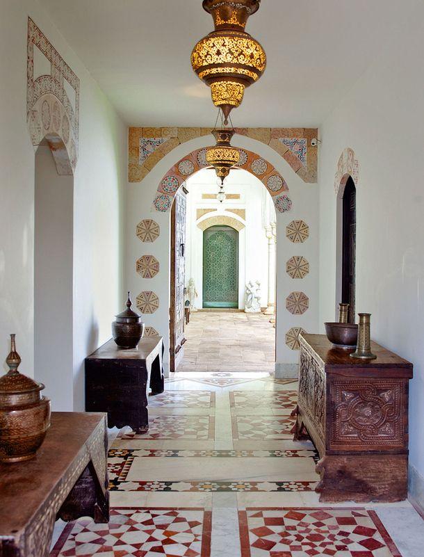 Moroccan style entryway