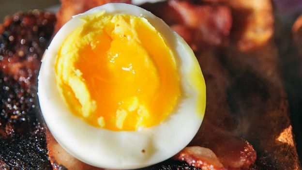 Huevo Los huevos deben estar bien cocidos para evitar salmonella.