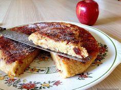 Matefaim aux pommes (vegan, sans gluten)100 g de farine de pois chiche 50 g de farine de riz 50 g de fécule de maïs 100 g de sucre roux 25 cl de lait d'amande 2 à 4 pommes 5 cl d'huile Quelques pincées de vanille en poudre Un peu de cannelle (suivant les goûts) 1 pincée de sel