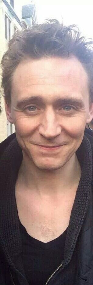 388 best Celebs: Tom Hiddleston images on Pinterest | Tom ...