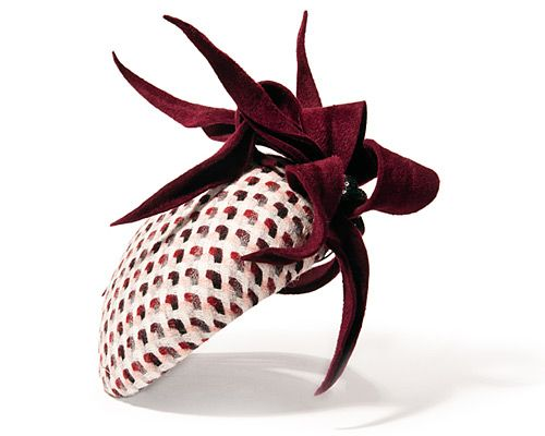 Hat by milliner Jane Taylor #millinery #judithm #beret Jane's work is always well finished. Smart looking shape and colors.