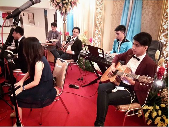 Jaqline and Ronald's Wedding #HomeBand #Accoustic #Romantic