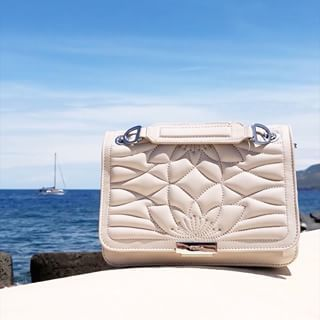 718427be7b59 Discover the Furla Deliziosa bag from our Pre Fall 18 collection via the  link in bio. furlaitaliansummer  furlafeeling  thefurlasociety   newcollection ...