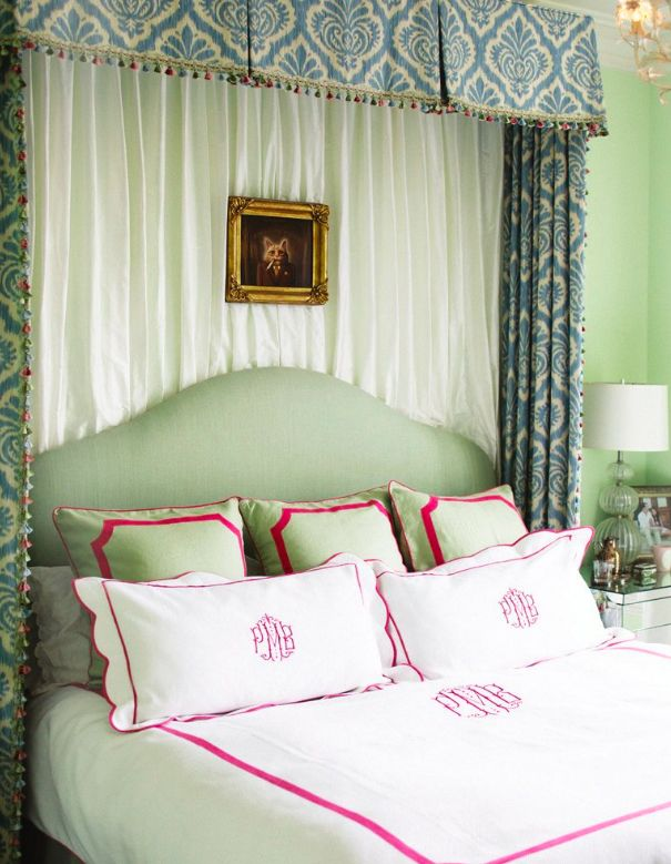Love the monogrammed bedding. Someday when my kid[s] are old enough to keep white things clean :)