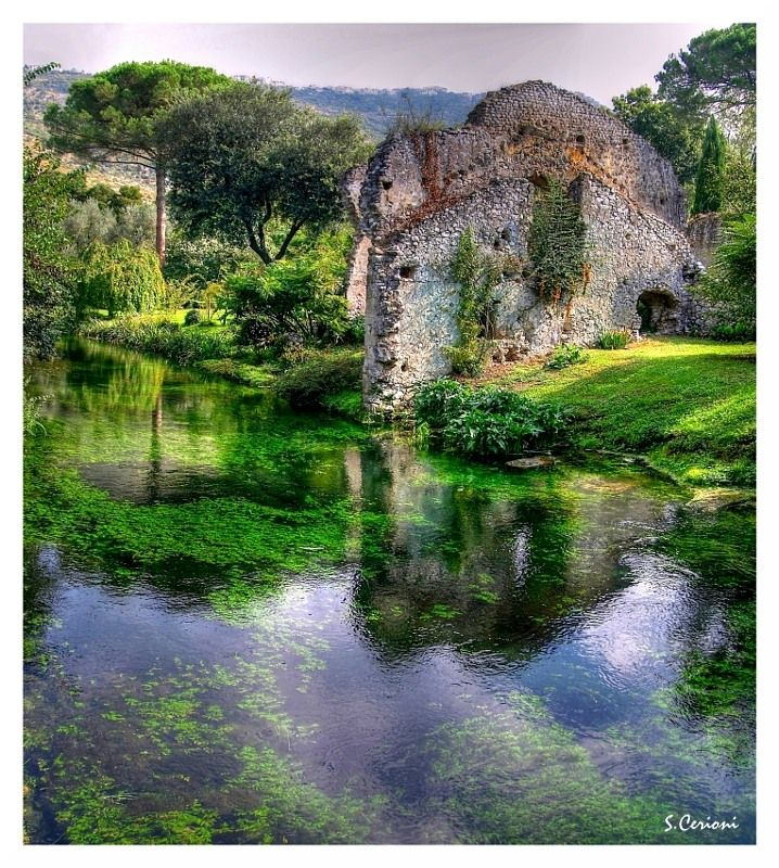 Giardino di Ninfa-italy - We are desperate to visit!!