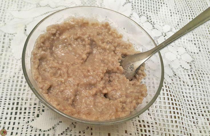 LES CELEBRES METS TRADITIONNELS SENEGALAIS A BASE DE CEREALES : LE FONDE Le fondé est une recette souvent préparée pour le dîner ou le petit déjeuner. Léger et très facile à digérée, il est fait à base de bouillie de farine de mil granulé bien cuit, et de lait caillé et du sucre. Moins pâteux que le Lakh, il est bien apprécié et très consommé dans la capitale sénégalaise.