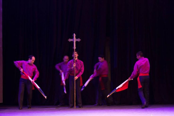 """Tres Horas Antes del Día """" la fiesta de Cuasimodo Encore 2015-2016"""