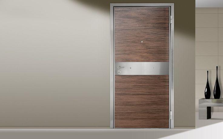 ΠΟΡΤΕΣ ΑΣΦΑΛΕΙΑΣ Golden Door :: Νέο Design :: Πόρτα ασφαλείας µε επένδυση από φυσικό ξύλο καρυδιά µε οριζόντια νερά