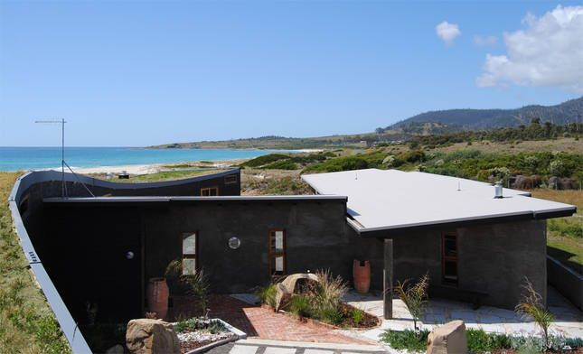Malibu on the Beach - oceanfront retreat in Four Mile Creek, Tasmania