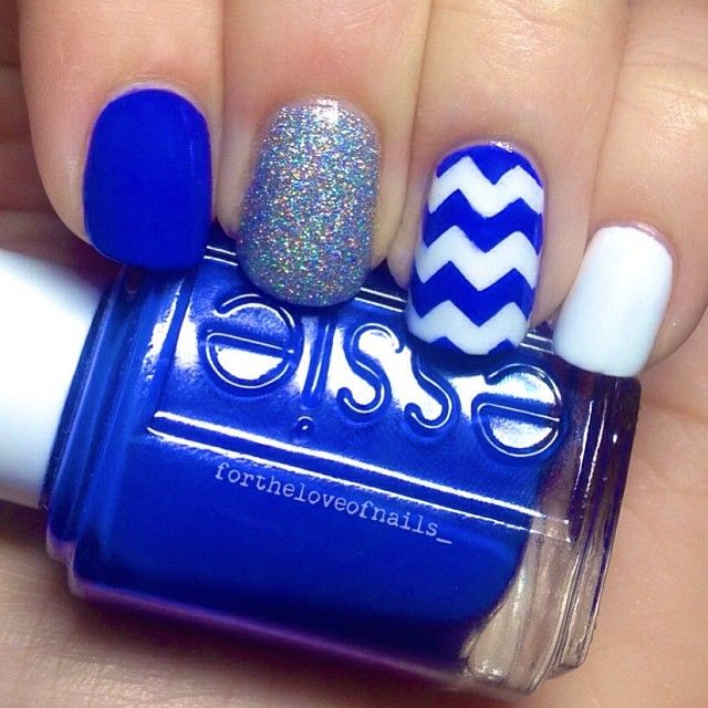 Blue & white nails! Perfect UK Wildcat colors, chevron, cute! Colors are: Essie Blanc, Essie Butler Please and CG Glistening Snow