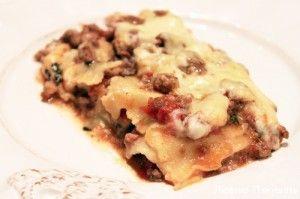 Классическая Итальянская лазанья Болоньезе с фаршем и соусом Бешамель