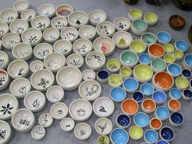 Many little bowls from last Christmas team work.