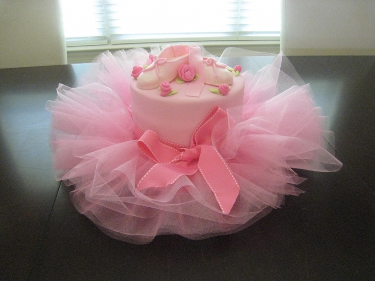 ballet cake - am thinking this would be a cute diaper cake...