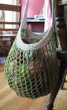simple/beautiful grocery/farmers market bag - free download pattern on ravelry. ★ Teresa Restegui http://www.pinterest.com/teretegui/ ★